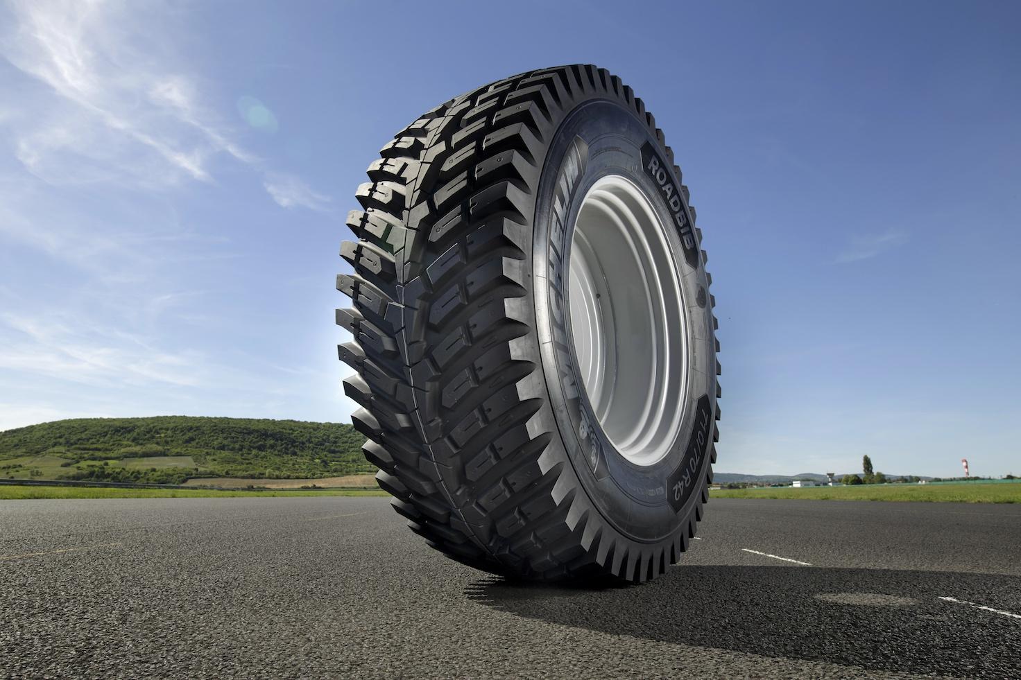Roadbib O on John Deere Michelin