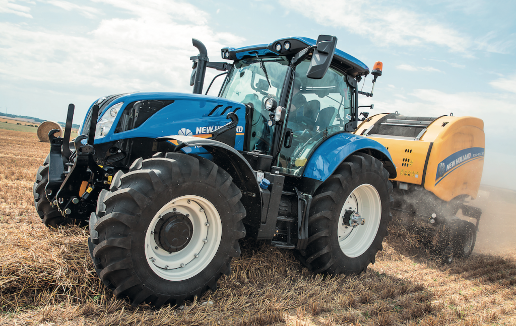New Holland T6.