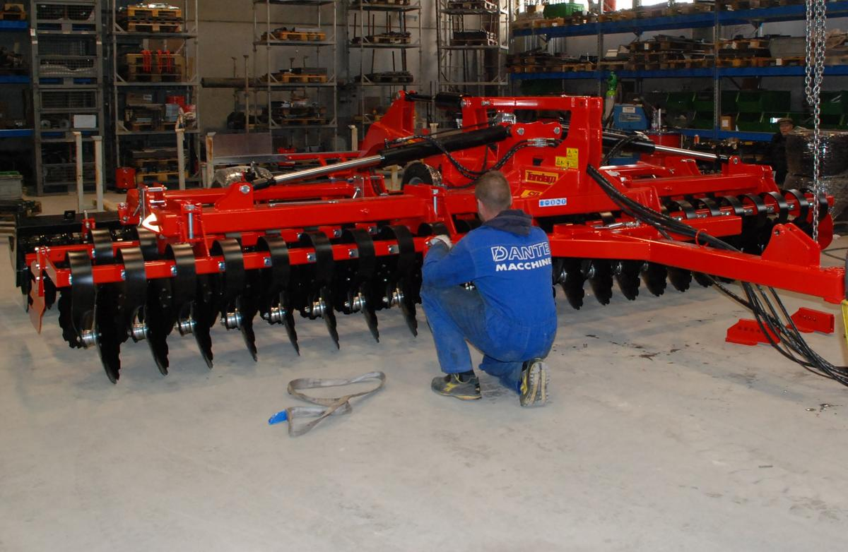 Covid-19, la meccanizzazione agricola non è attività essenziale?