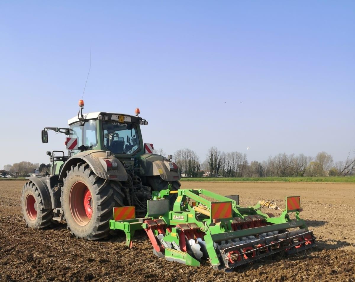 Bella Macchine Agricole Combi Flex in campo