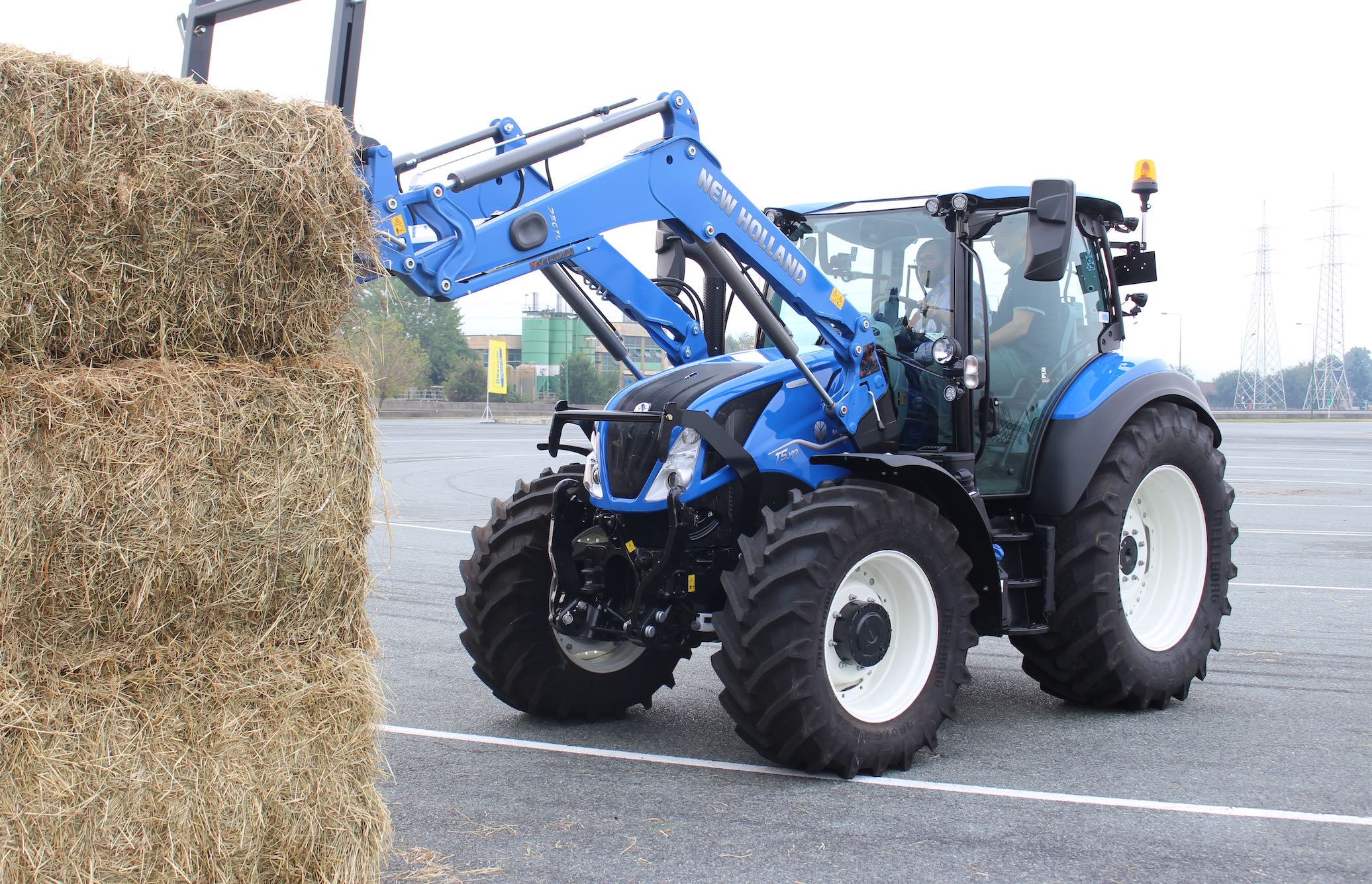 New Holland T5.140 Dynamic Command