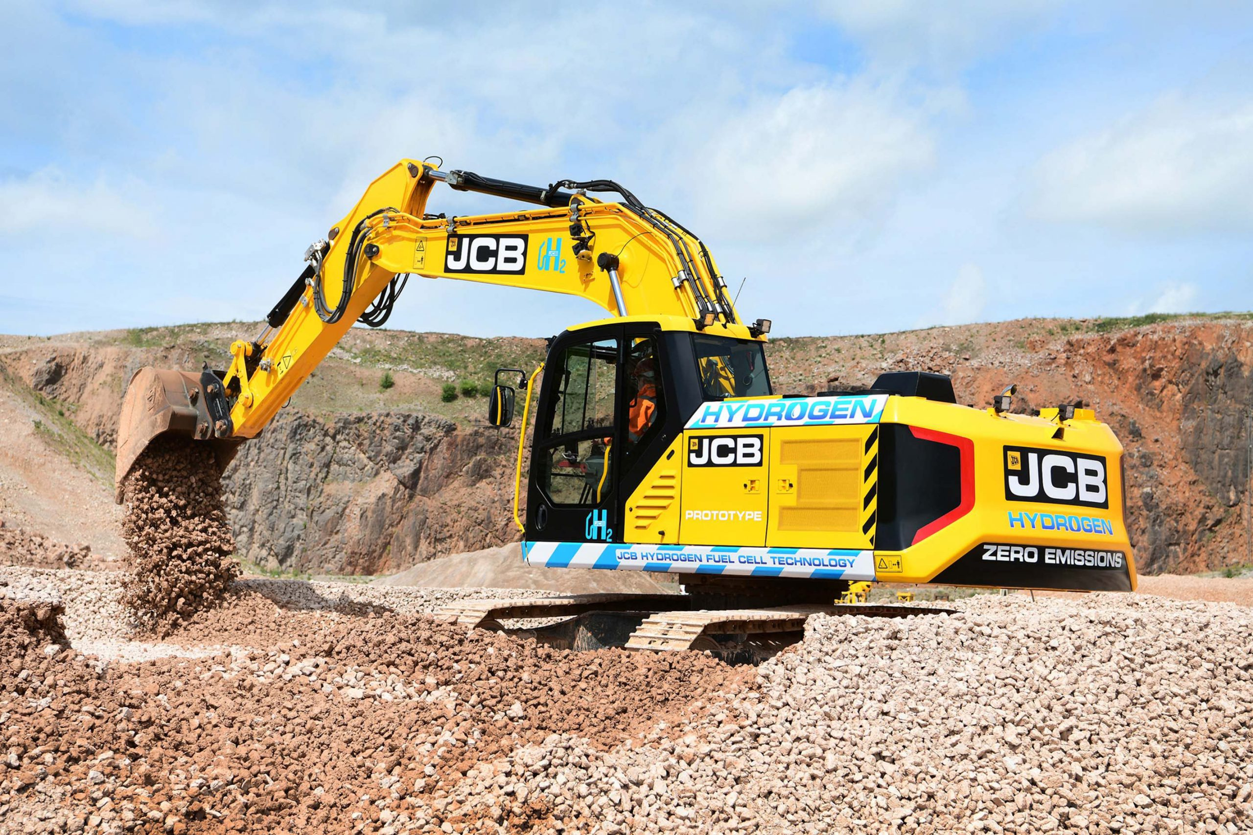 JCB presenta il primo prototipo di escavatore a idrogeno