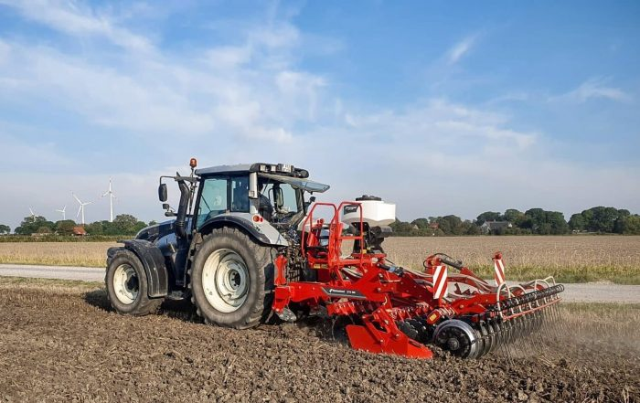 Kverneland DTX con a-drill in campo