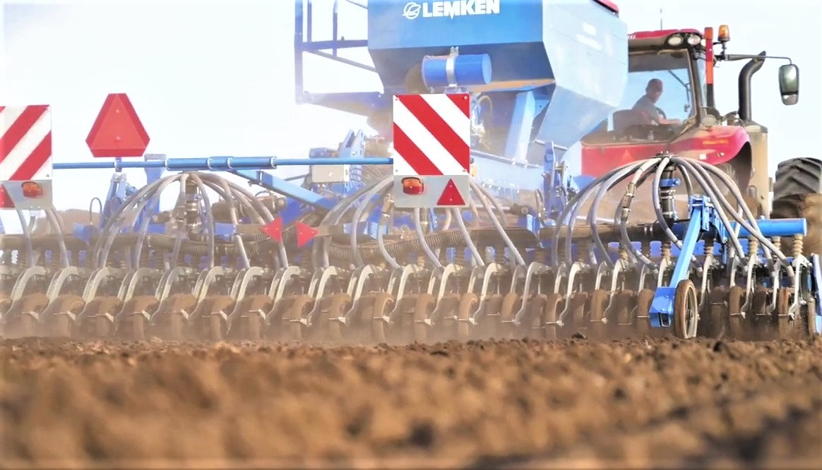 Le combinate Lemken permettono di lavorare su qualsiasi terreno grazie agli erpici rotanti