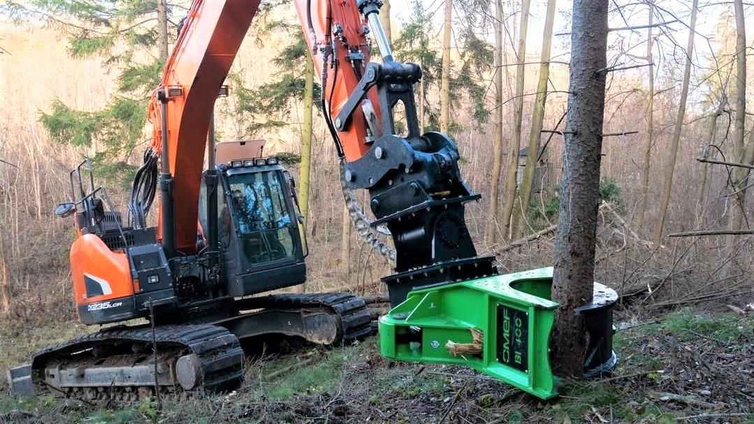 Omef è un costruttore specializzato nelle attrezzature forestali