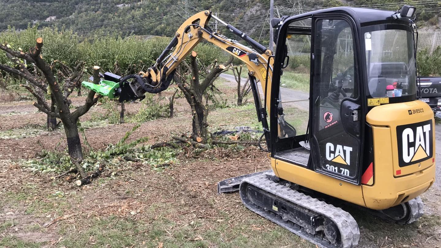 OMEF ha messo in commercio una gamma di attrezzature adatta sia a macchine compatte che grandi