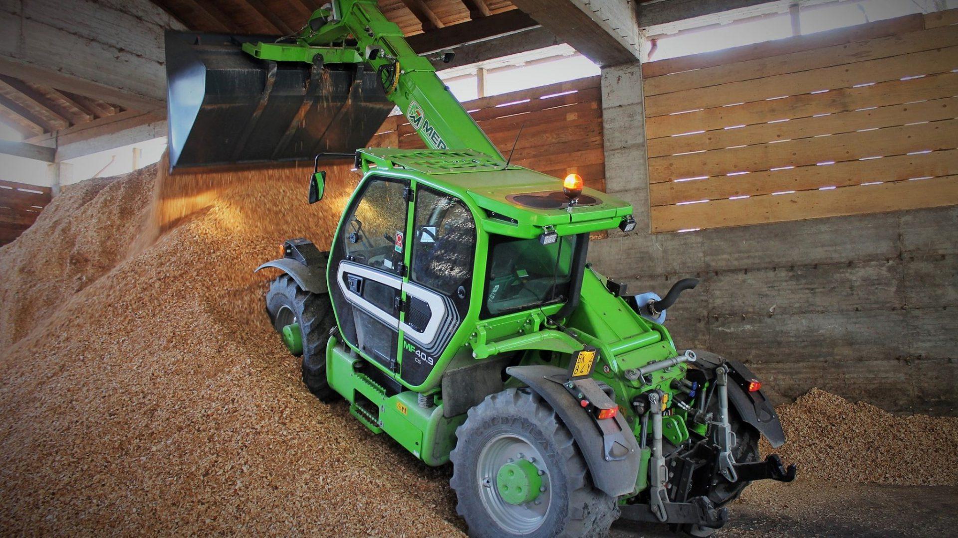 Il Merlo MF40.9 CS è una macchina che spazia dagli impieghi agricoli puri fino alla gestione di applicazioni con biomasse o cantieri forestali.